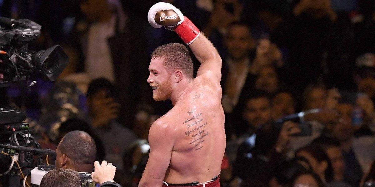 Canelo Álvarez se impone fácilmente sobre Rocky Fielding