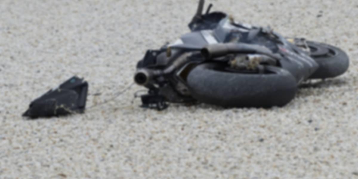 Hombre murió tras chocar su motocicleta contra un árbol