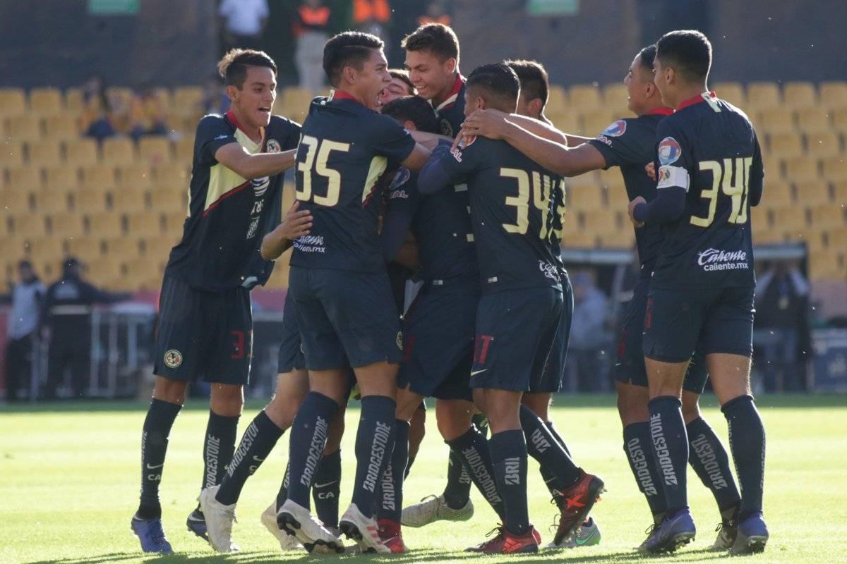 - Euforia: Los jugadores de las Águilas festejan el primero de los dos goles que marcaron a los felinos.|ISRAEL SALAZAR