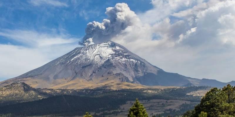 Video muestra la brutal explosión del volcán Popocatépetl en México