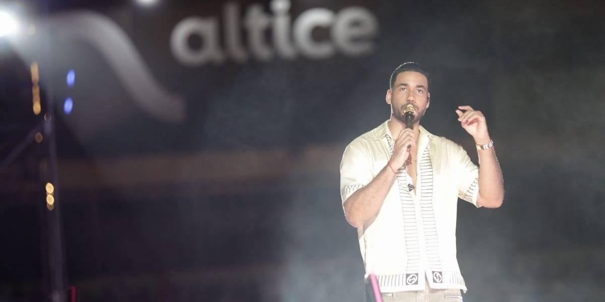 Romeo Santos deslumbra en multitudinario concierto en Santo Domingo