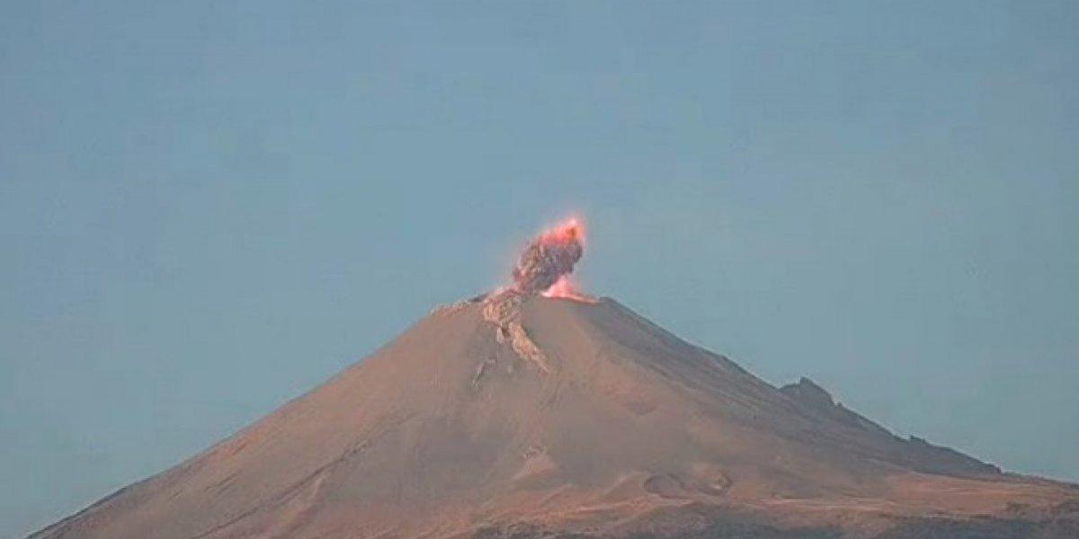 Video: Explosión del Popocatépetl provoca impresionante nube de ceniza