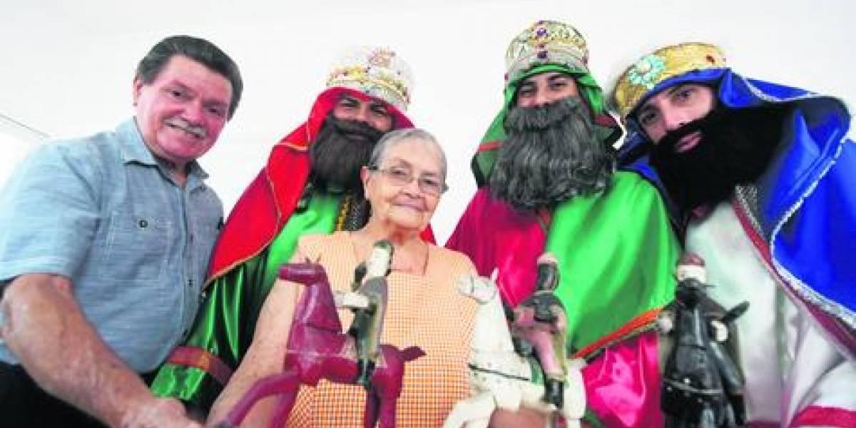 Familia boricua le cumple promesa a los Reyes