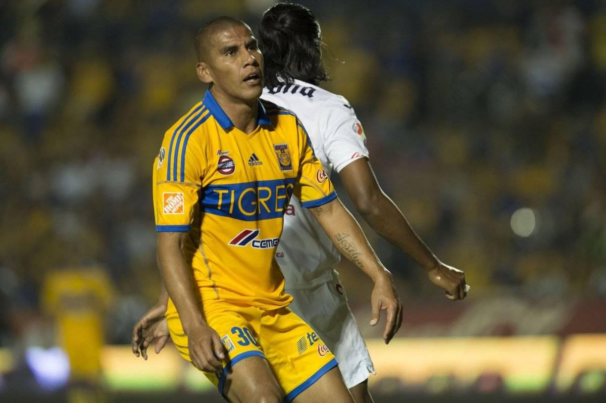 Carlos Salcido con Tigres Mexsport