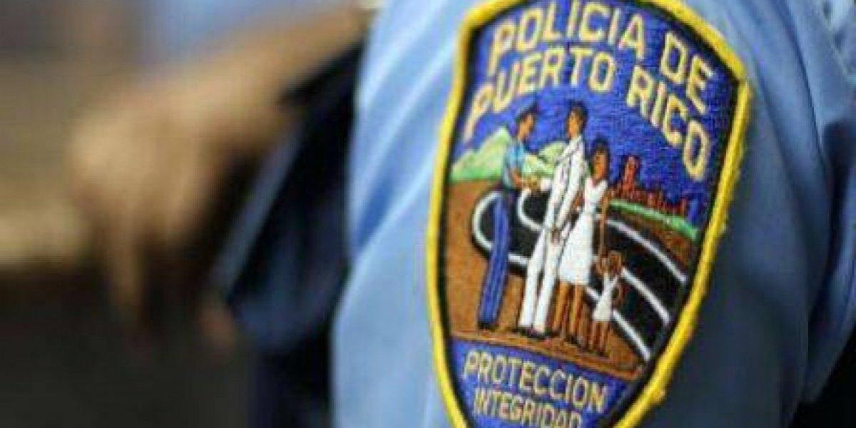 Hombre abandona auto luego de atropellar tres personas en Juana Díaz