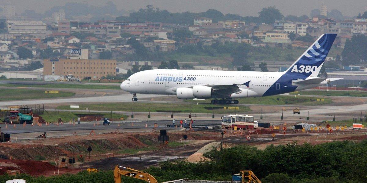 Mal tiempo provoca quinto día de retrasos masivos en aeropuerto de Brasil