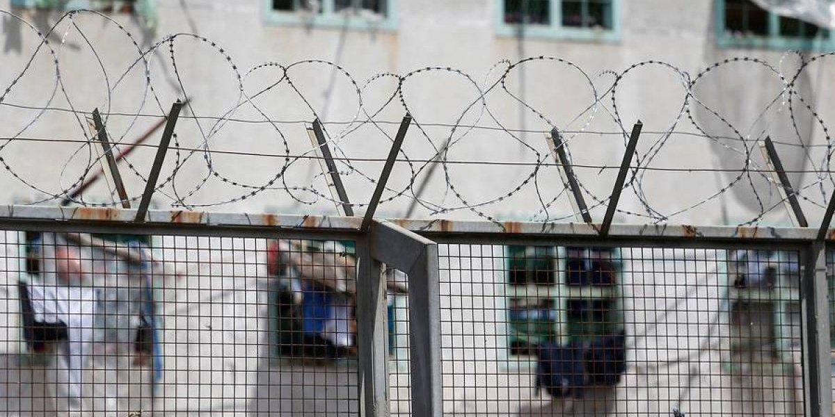 """Condenado a cadena perpetua reclama que su castigo es """"inhumano"""": mandó a matar a la mujer que le impidió salir con su hija 11 años"""