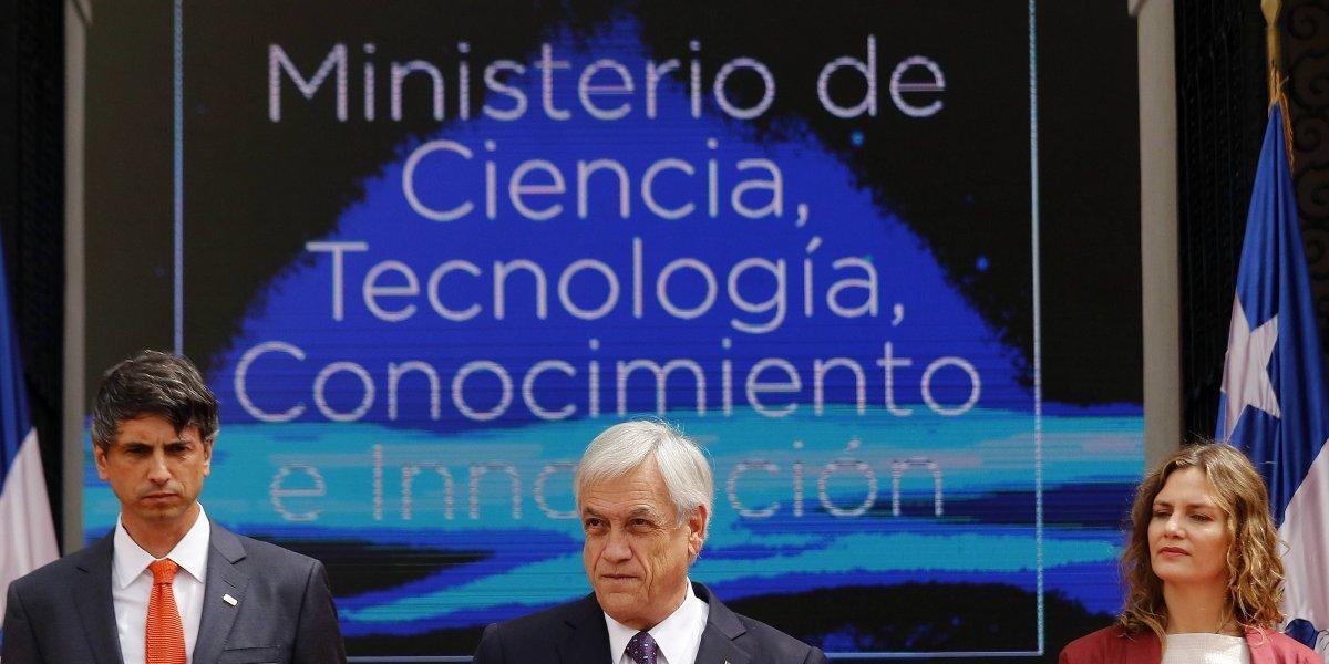 Mayor inversión y estabilidad laboral: científicos analizan los desafíos del nuevo Ministerio de Ciencia