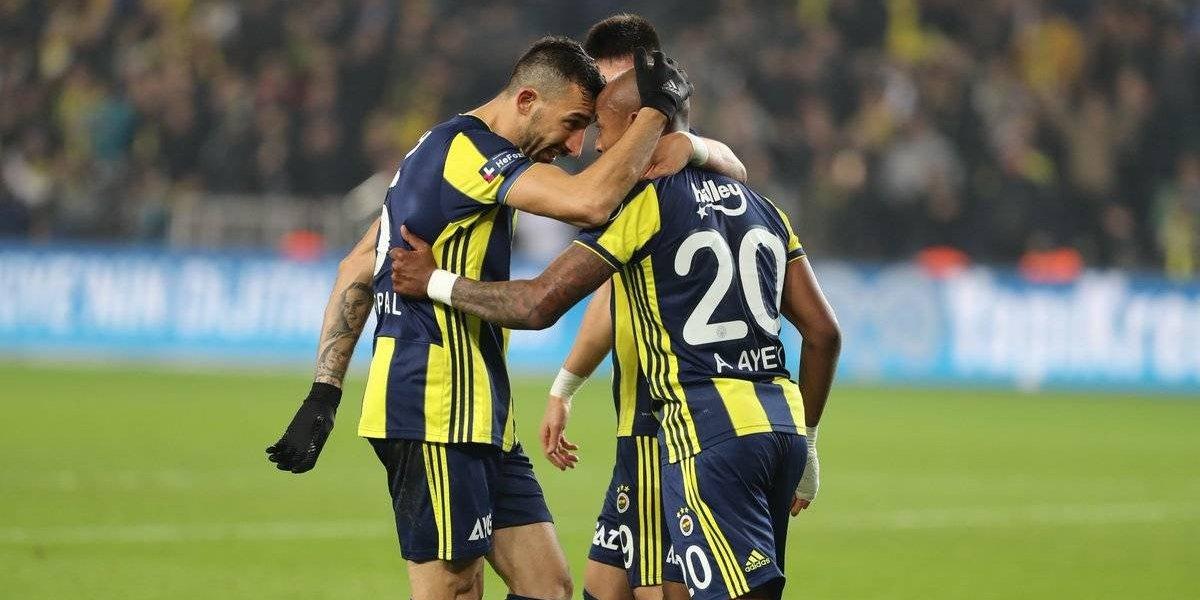 El Huaso Isla y su Fenerbahçe sufren empate agónico que los dejó en zona de descenso en Turquía