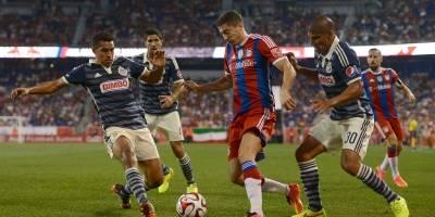 Carlos Salcido contra Bayern Münich