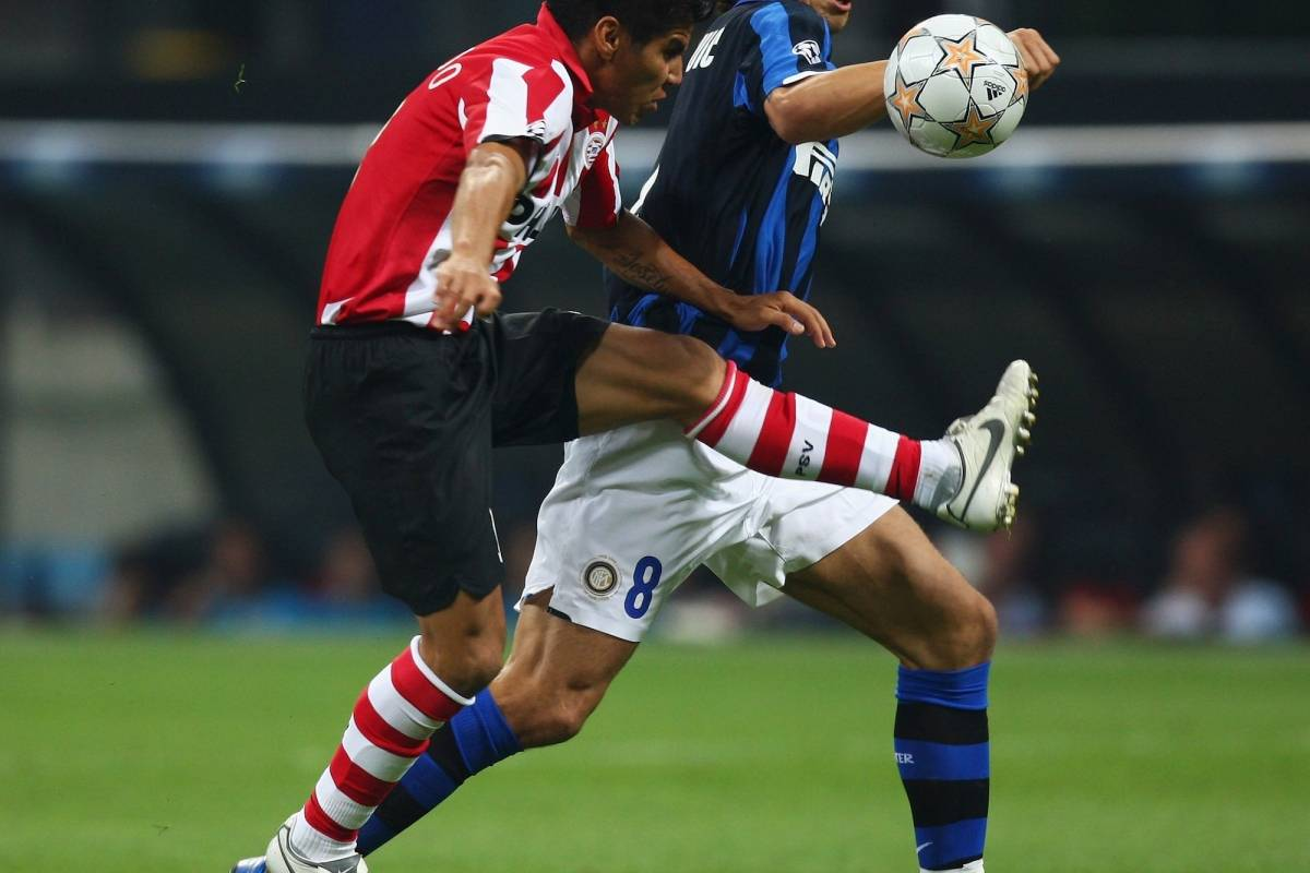 Carlos Salcido contra Zlatan Ibrahimovic Getty Images