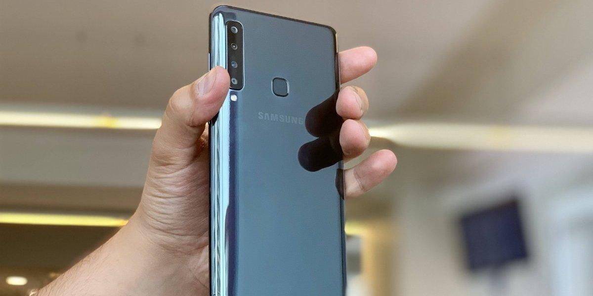 O celular com quatro câmeras  Confira avaliação do novo Samsung Galaxy A9  2018 2b9f5633d5