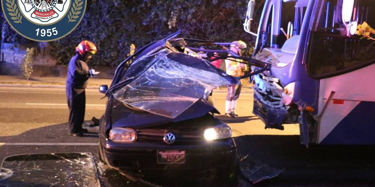 Una mujer fallece tras colisión entre Transurbano y vehículo en la zona 10