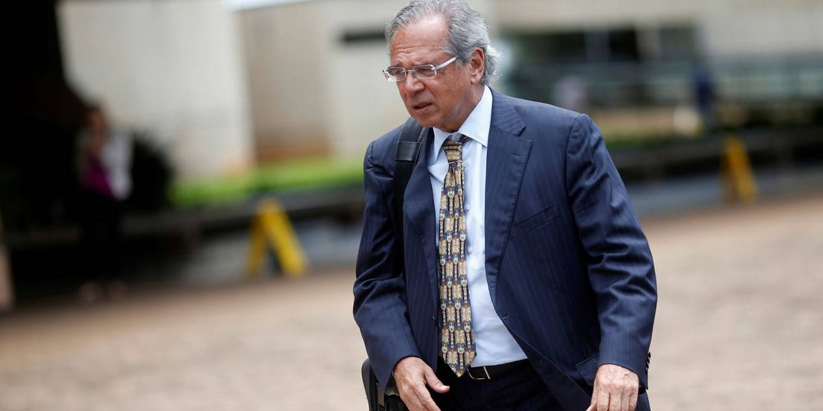Paulo Guedes defende 'meter a faca' em financiamento dos serviços do Sesc, Sesi e Senai