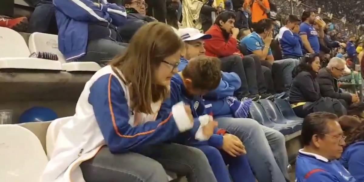 VIDEO: Niños rompen el llanto tras derrota de Cruz Azul