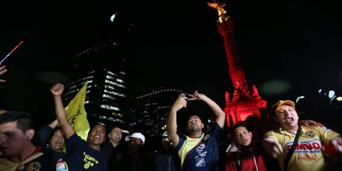 VIDEO: Afición de América inicia fiesta en el Ángel de la Independencia