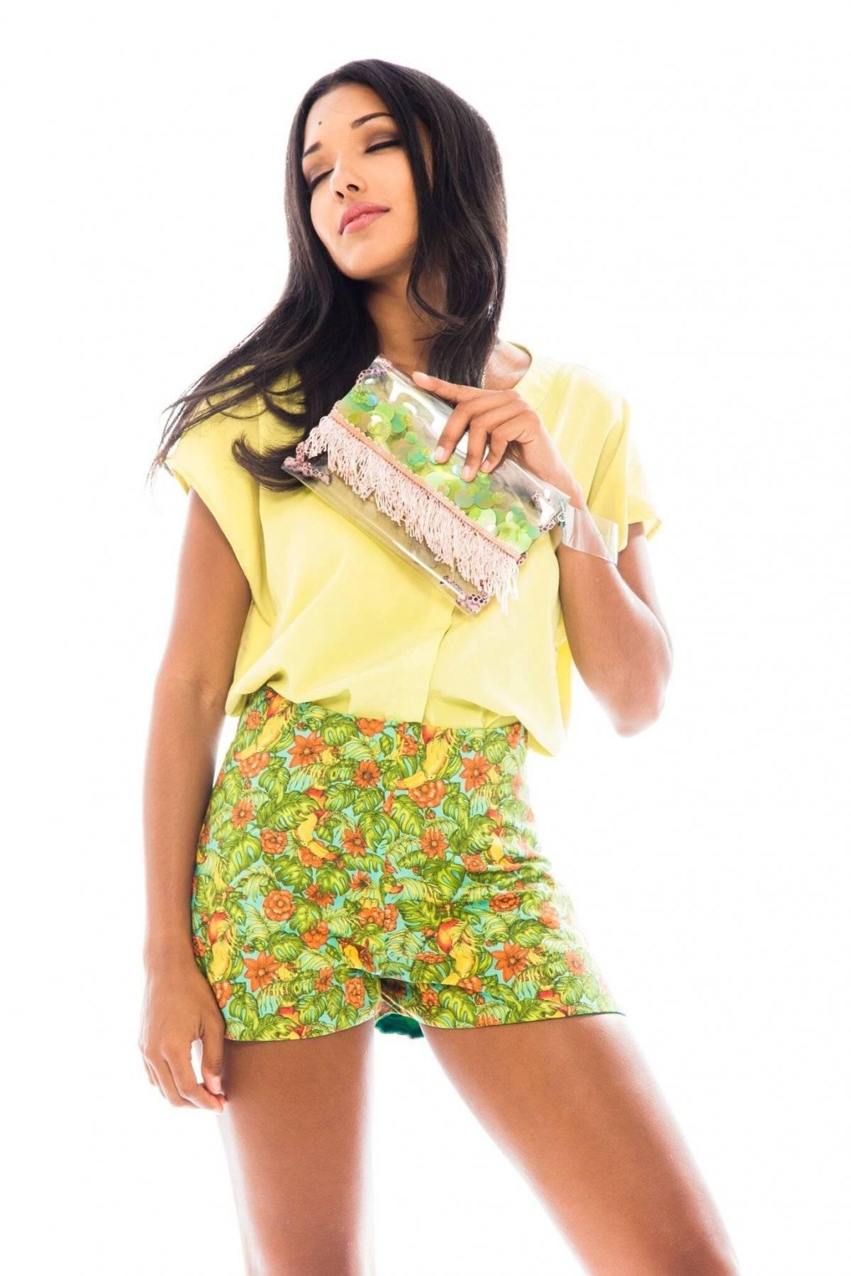 Alrededor de 40 diseñadores forman parte del colectivo de Aguja Local. La tienda en línea ofrece una extensa variedad de productos, desde piezas de vestir hasta accesorios, como el nuevo Puerto Rico Necklace Unisex en piel negra y mapa en plata esterlina. / Agujalocal.com