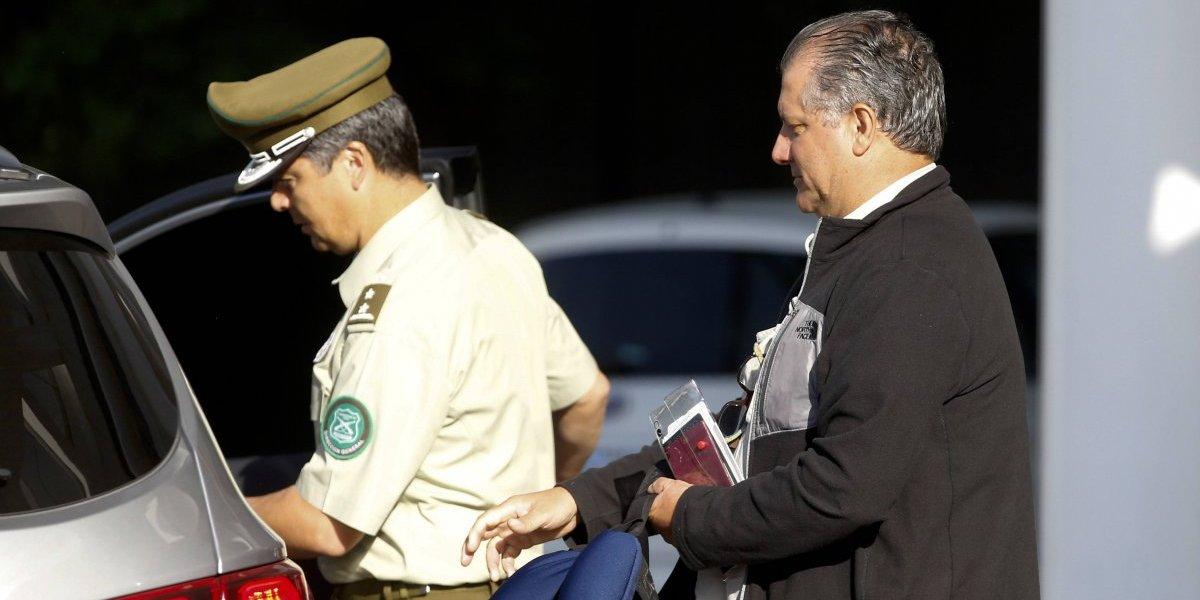 Villalobos ya se encuentra privado de libertad en cuartel de Carabineros