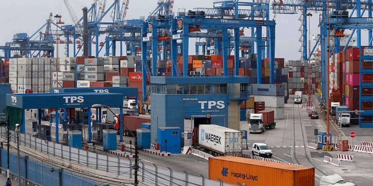 Embarques de frutas caen 95% en un mes en Valparaíso tras inicio del paro portuario
