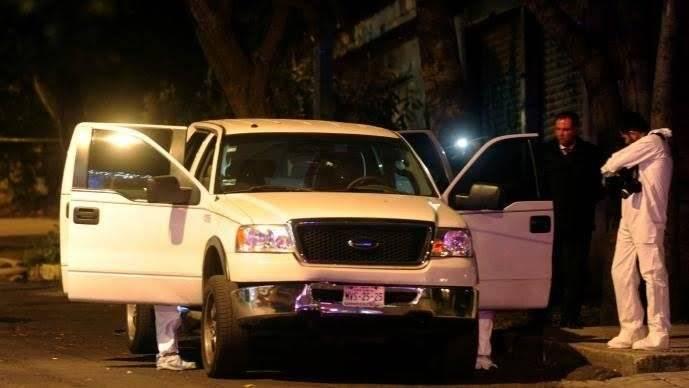 El cuerpo fue encontrado a bordo de una camioneta con un impacto de bala en la espalda. Cortesía.