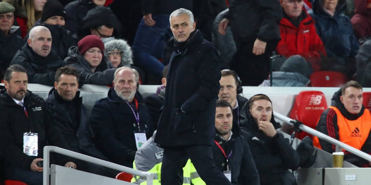 Cadena de pizzas se mofa del cese de Mourinho