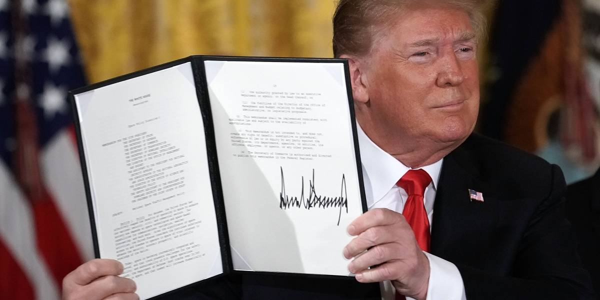 Trump firma decreto para crear Comando Espacial del Pentágono