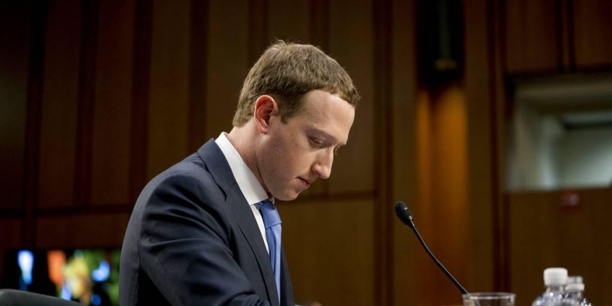 El mal año de Facebook hizo menos rico a su creador: Zuckerberg pierde casi US$20 mil millones de su fortuna