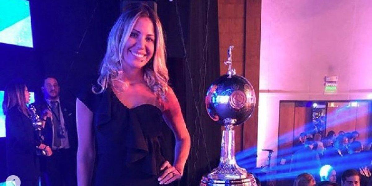Bárbara Coelho se roba las miradas en el sorteo de Copa Libertadores
