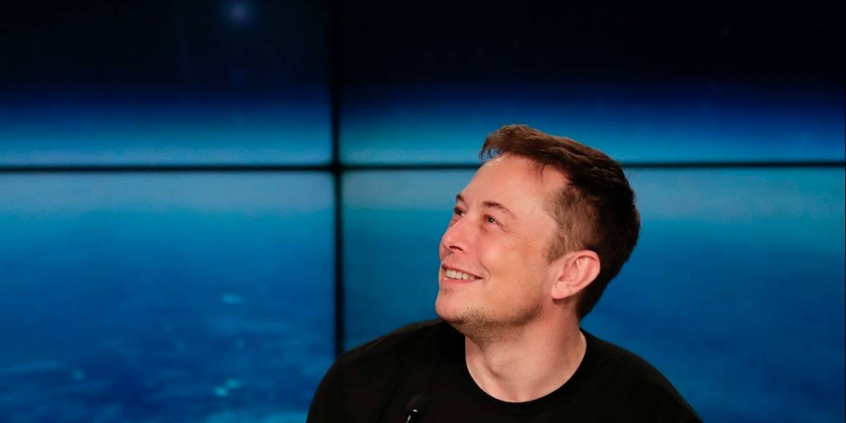 Elon Musk presentará un túnel subterráneo de transporte