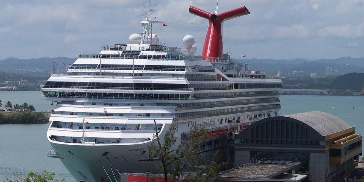Reportan agresión de pasajeras en crucero