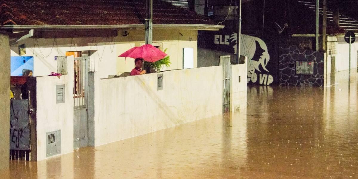 Afetados pela chuva em São Paulo terão desconto na conta de água