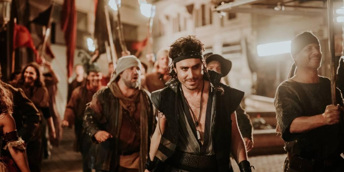 """Nicolás Oyarzún protagonizará nueva versión teatral de """"Piratas del Caribe"""""""