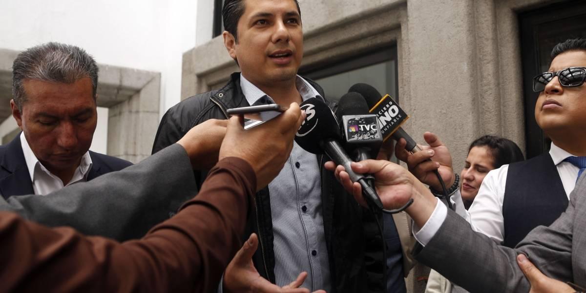 Balda presentó nueva petición para que Ecuador pida a Interpol arresto de Correa