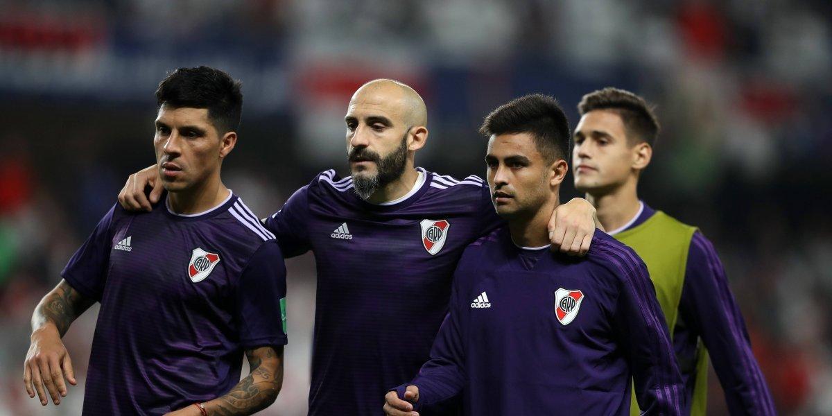 VIDEO: Aficionado de River se entera de la eliminación de su equipo después de aterrizar en Dubai