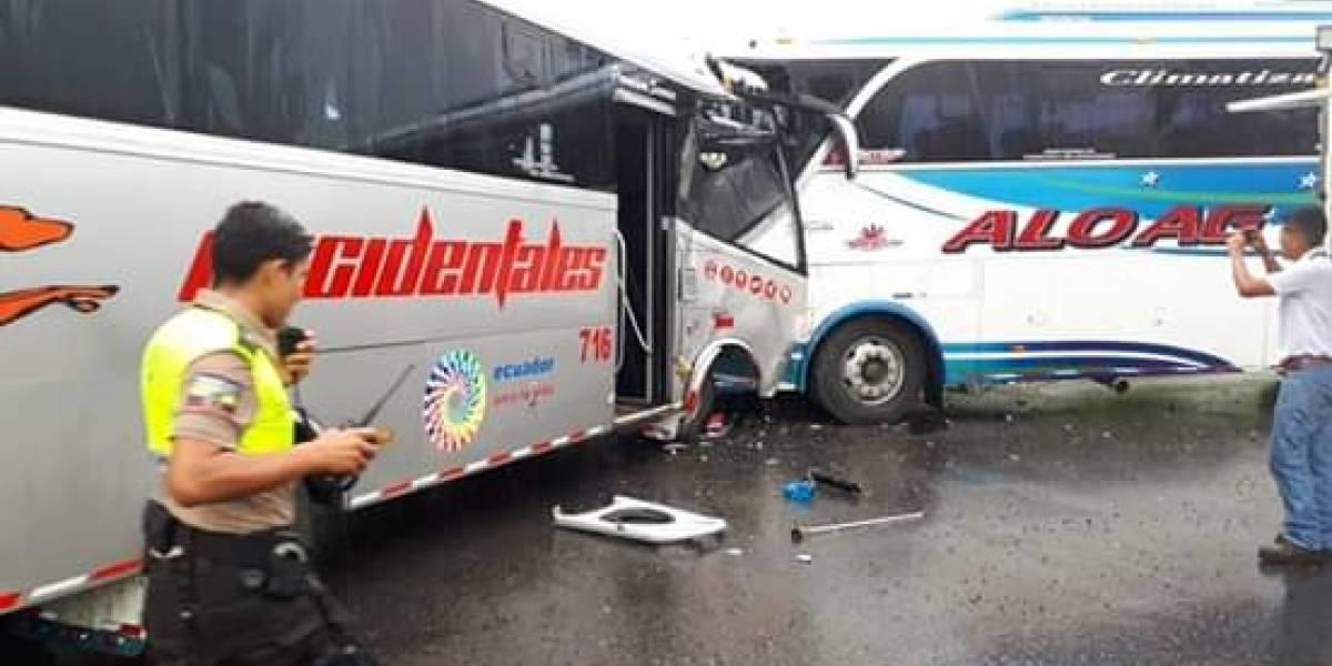 Accidente de tránsito en San Miguel de los Bancos- Puerto Quito
