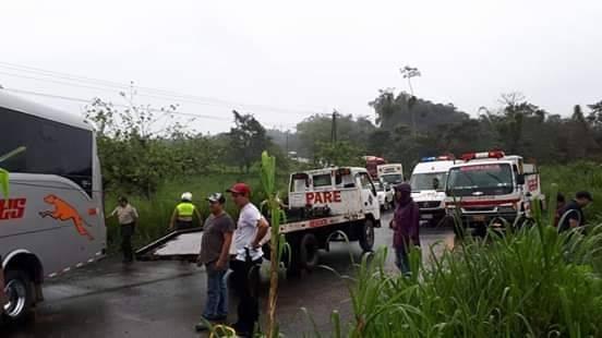 Accidente de tránsito en San Miguel de los Bancos- Puerto Quito ECU 911