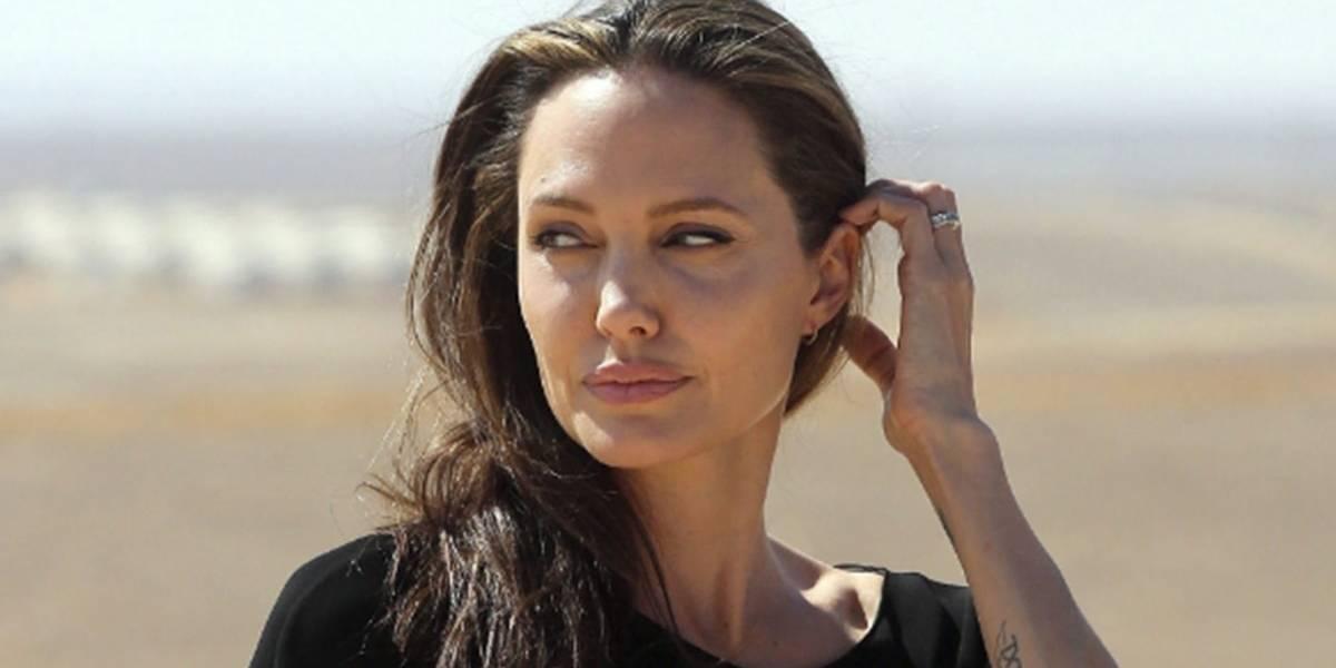 La foto poco conocida de Angelina Jolie en traje de baño