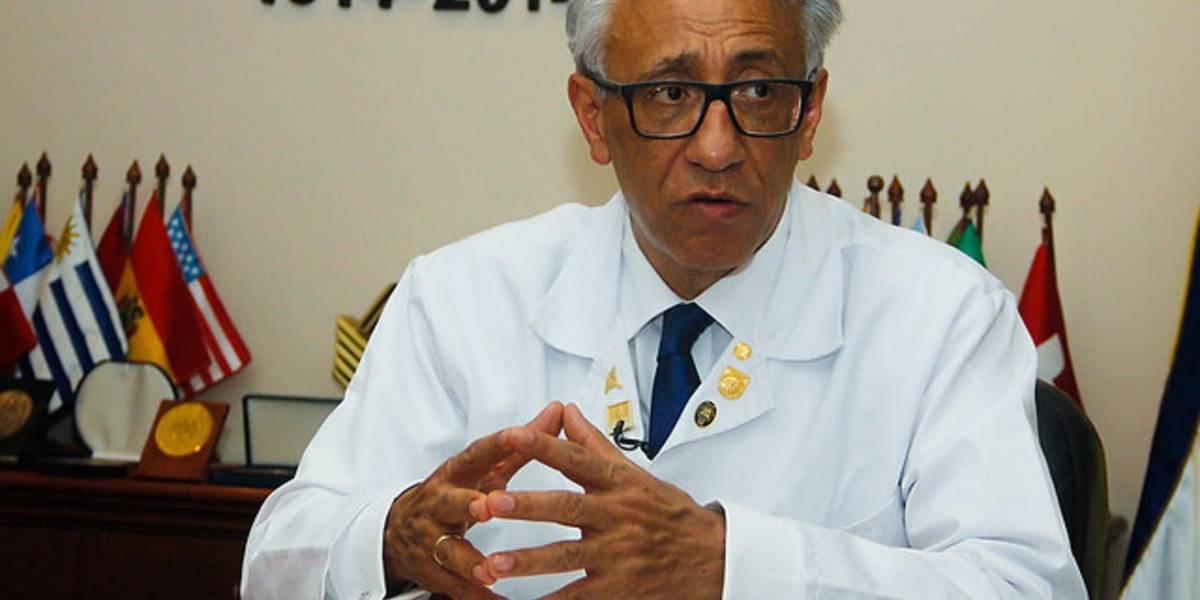 Renuncia el director de Medicina Legal, Carlos Valdés, después de reunirse con el fiscal