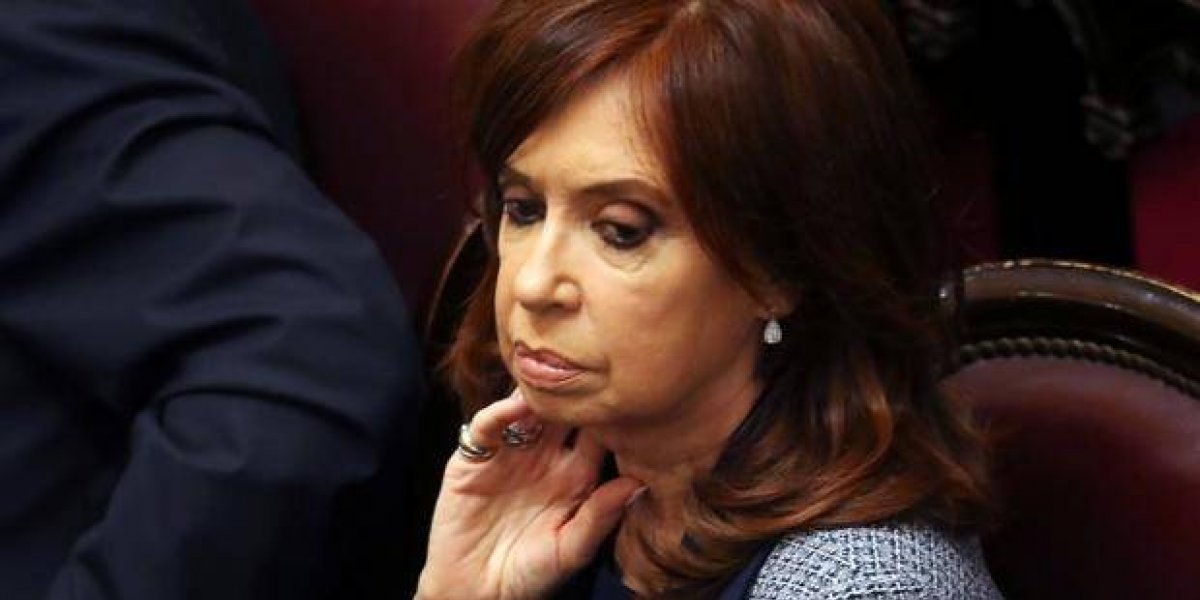 Decretan prisión preventiva para Cristina Fernández