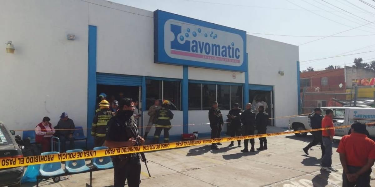 Explosión de lavandería deja a tres personas lesionadas