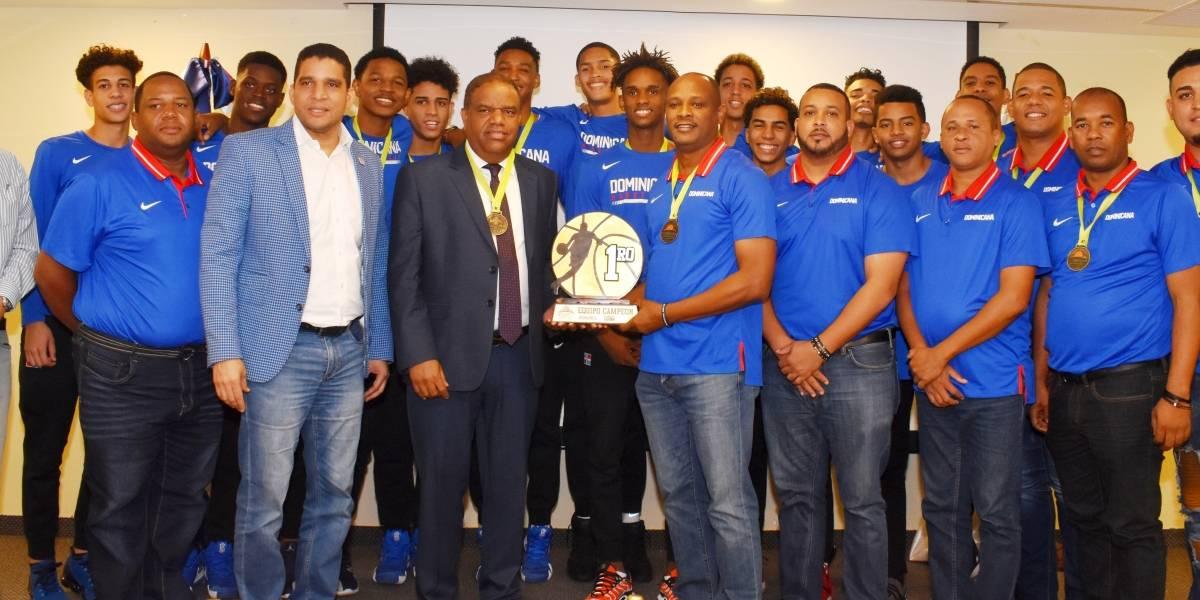 Miderec agasaja equipo campeón Centrobasket U-15
