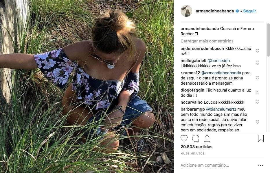 Armandinho posta foto da esposa