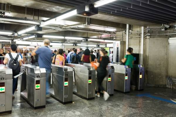 metro_ estação_ catraca_ bilhete