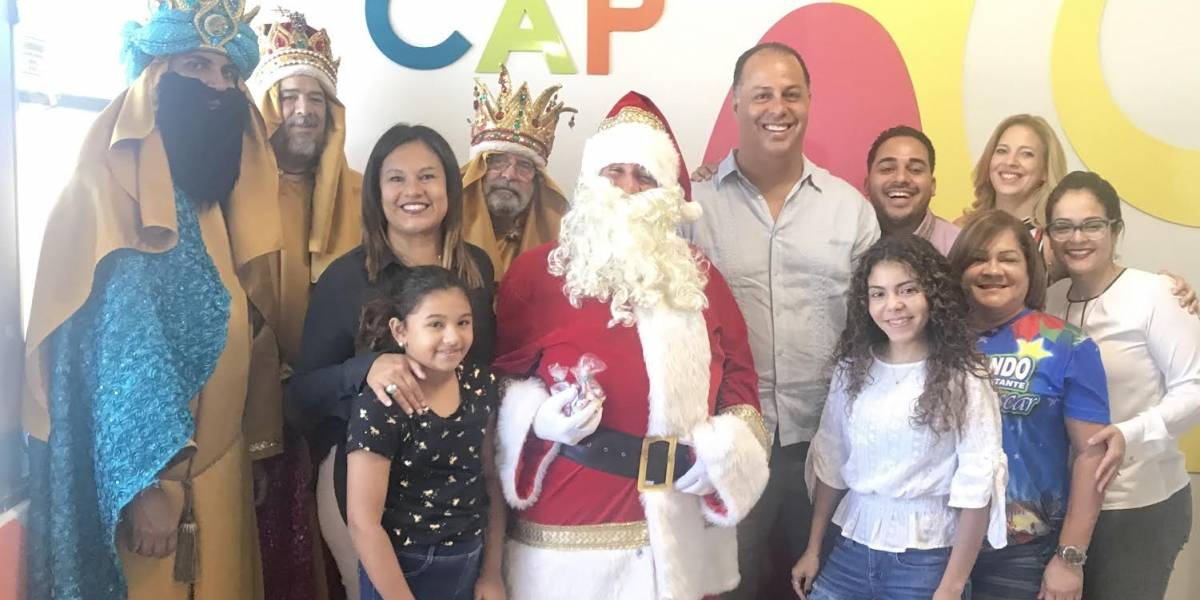 Santa Claus y Los Reyes Magos visitan el Hospital Pediátrico