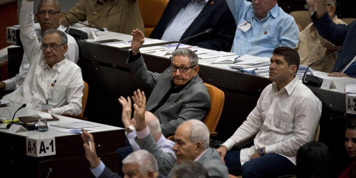 Parlamento cubano se enfrasca en reforma de la constitución