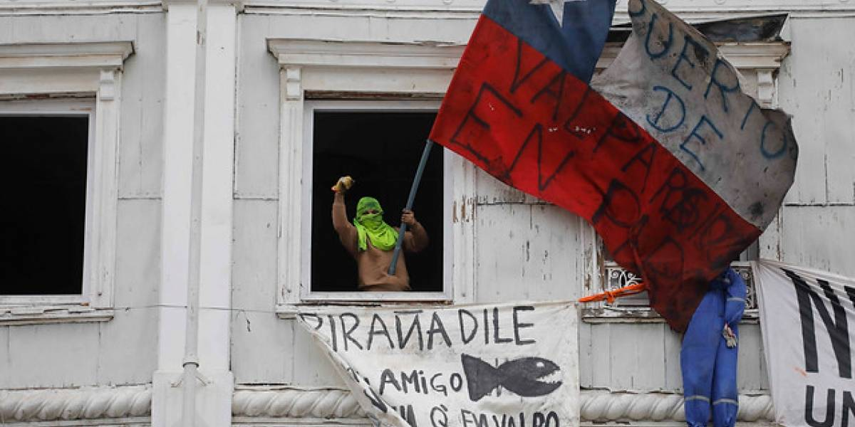 Paro portuario en Valparaíso: TPS entrega nueva oferta a trabajadores y se votará este viernes en asamblea