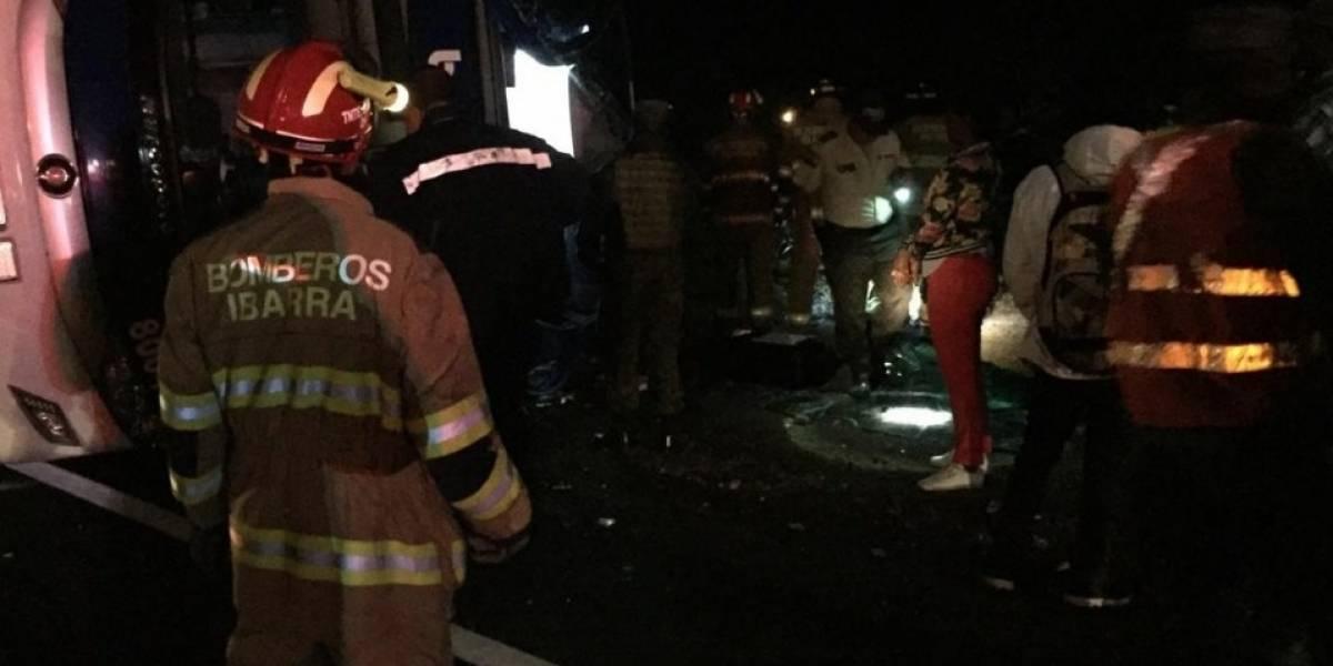 Un fallecido y 20 extranjeros heridos tras accidente de bus que viajaba a Lima