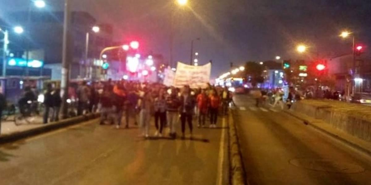 ¡ATENCIÓN! Manifestantes bloquean vías en Kennedy