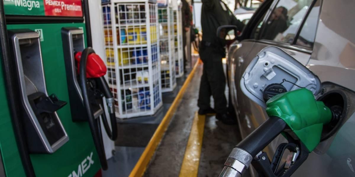 Llaman a no realizar 'compras de pánico' por desabasto de gasolina