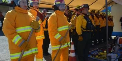 Entrega de equipo para bomberos forestales